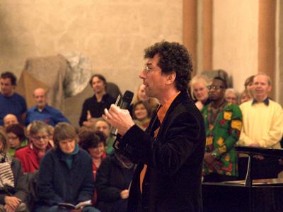 und am Ende der ganz große Chor: Das Publikum machte mit.